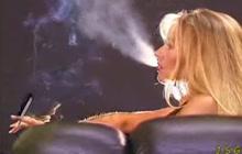 Ladies who smoke look so fucking hot
